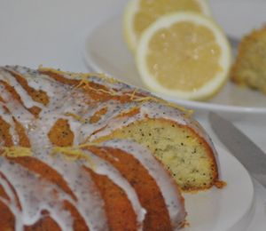 Gluten Free Lemon Poppy Seed Cake - used ground almonds and mashed potatoes as the base