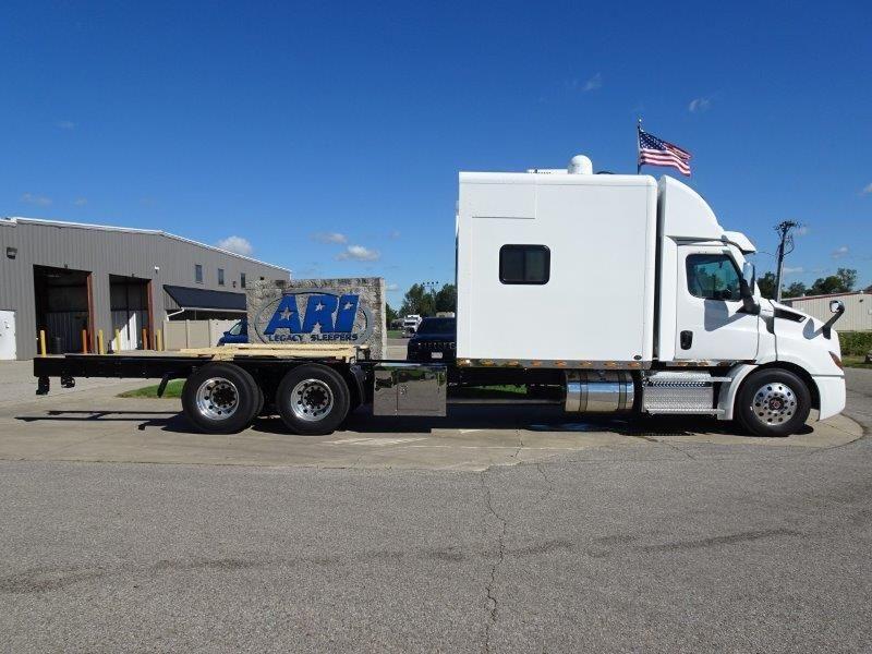 2021 Freightliner Cascadia With Ari 112 Inch Custom Sleeper 2024 Ari Legacy Sleepers Freightliner Cascadia Freightliner Semi Trucks Interior