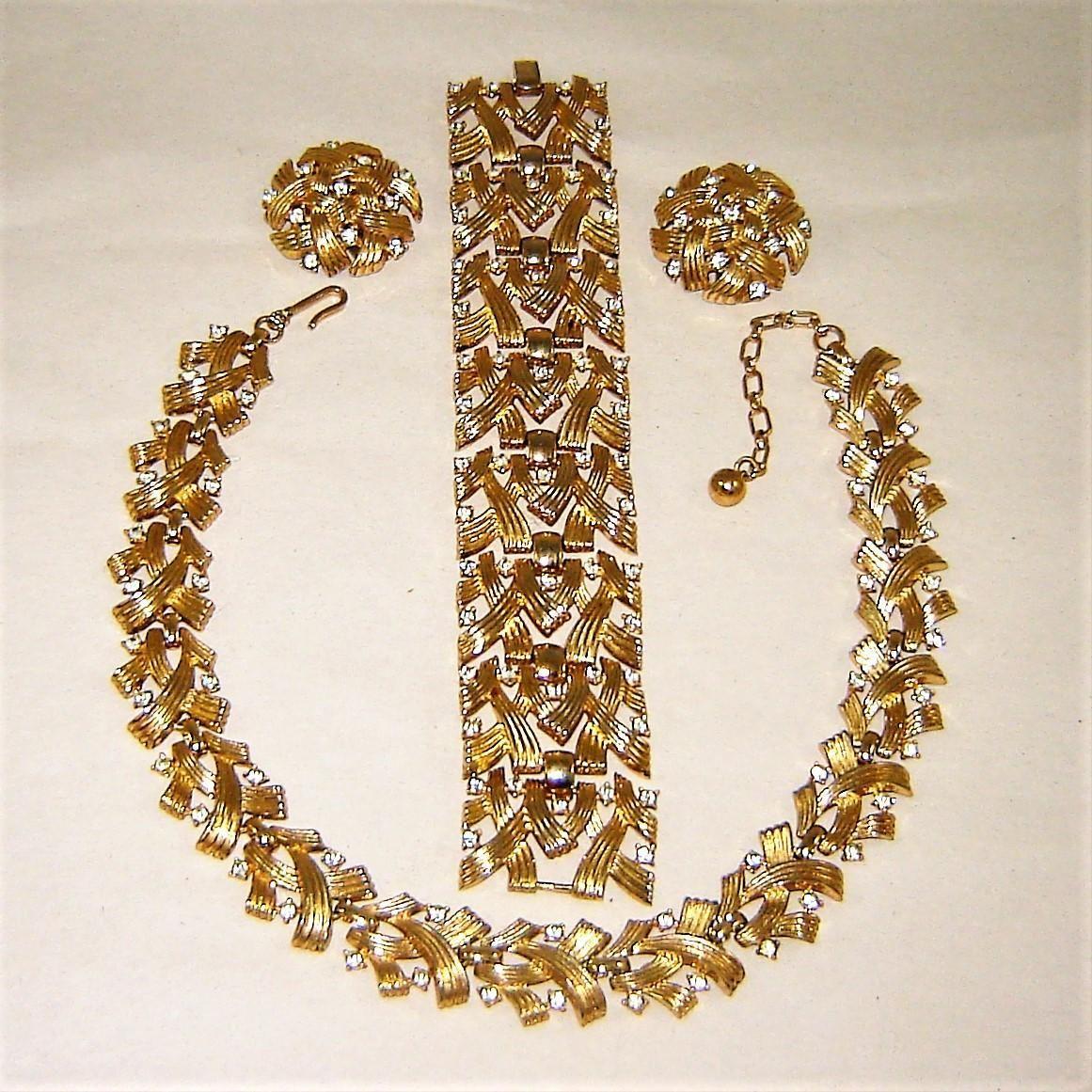 Vintage trifari necklace bracelet earrings gold trifanium diamante