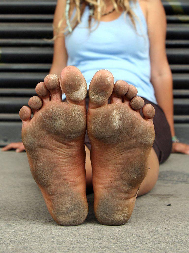 видео грязные ноги
