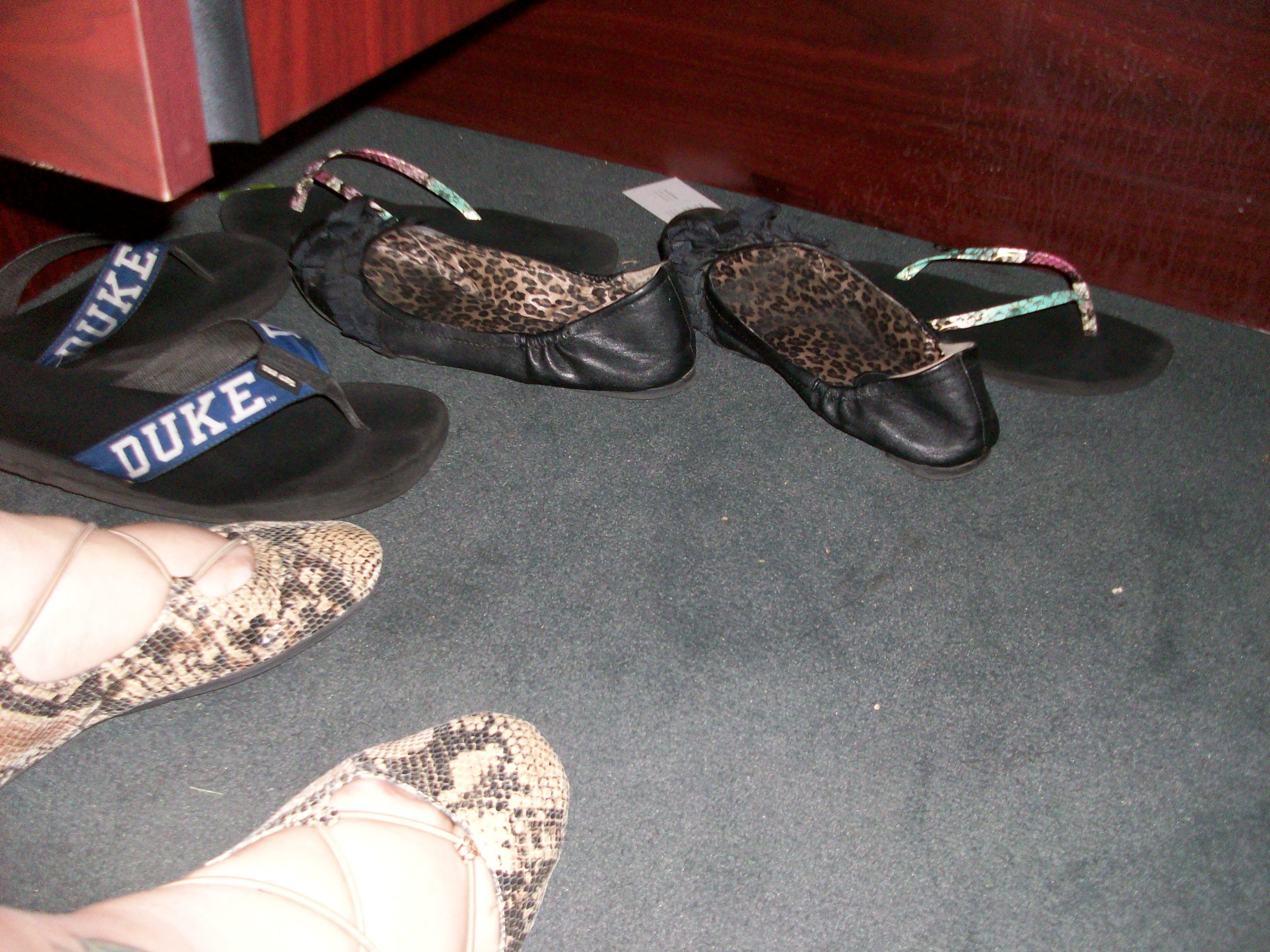 b7e04737055 Under Desk Shoes