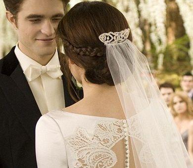 Bella\'s Wedding Hairstyle - actually super pretty! | wedding ...