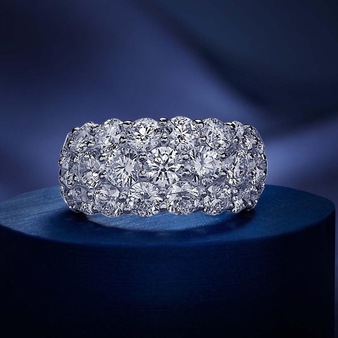 Christmas is coming. Diamonds. Custom design Signature