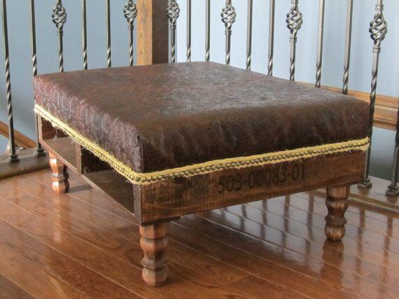 die besten 25 paletten ottomane ideen auf pinterest holzkiste couchtisch couchtisch mit stau. Black Bedroom Furniture Sets. Home Design Ideas