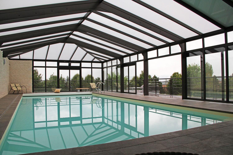 Piscine couverte en aluminium avec toit en polycarbonate | Veranda piscine, Piscine et Veranda