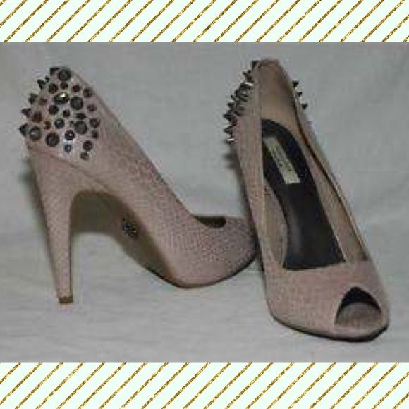 bbb3e36fb85 Simply Vera Wang Off White High Heels Shoes Beige Studded back heels part  of Vera Wang s Simply Vera collection with a cute snake skin pattern to add  to its ...