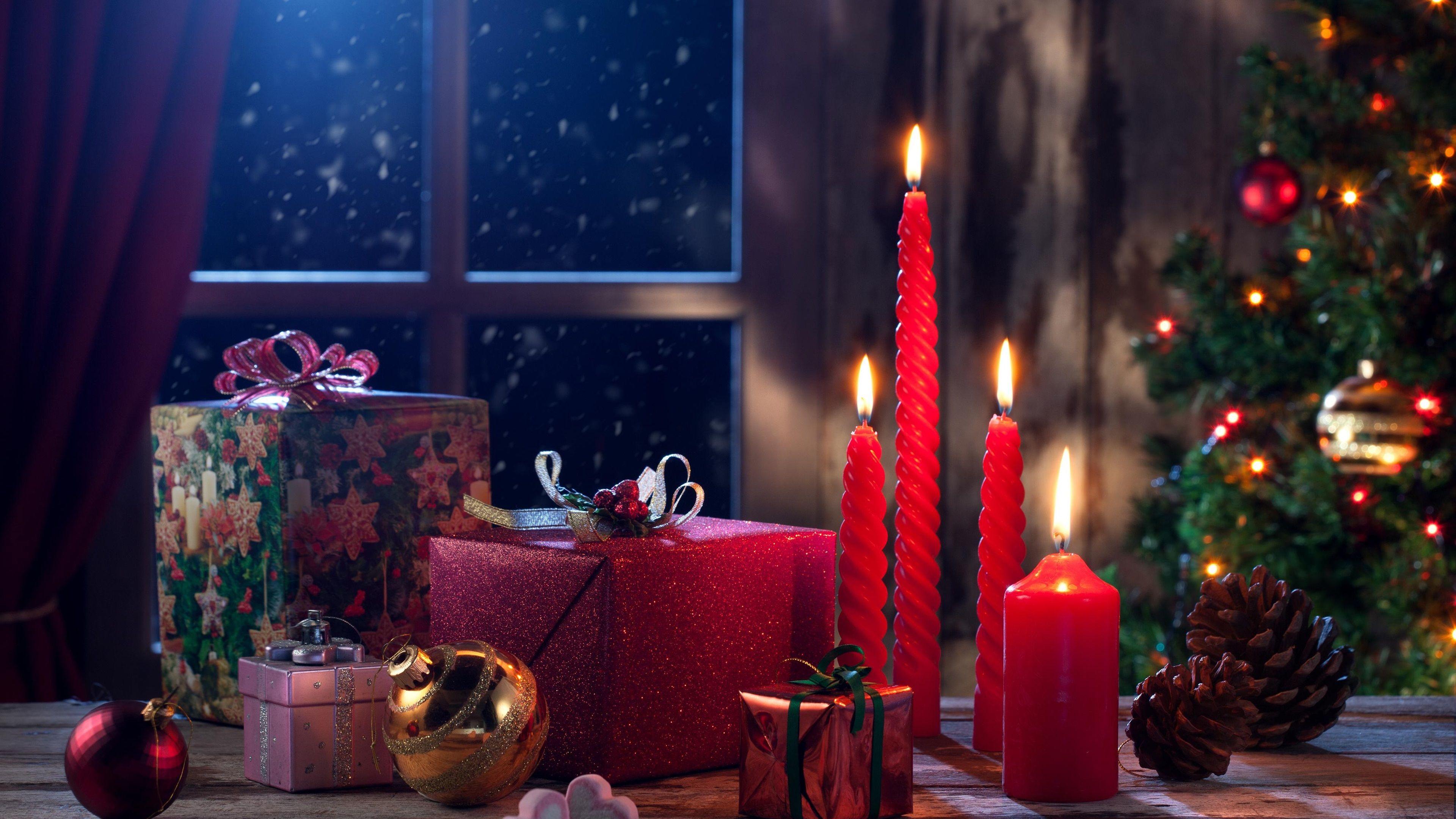 Joyeux Noël, Bonne Année, cadeaux, bougies, feu Fonds d