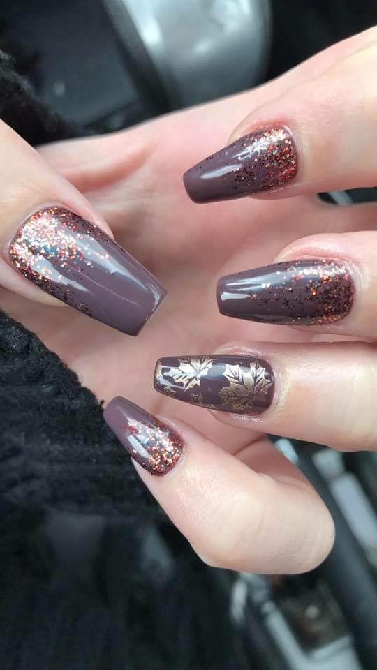Acrylic coffin shaped fall nails. Autumn colors. Gold leaf