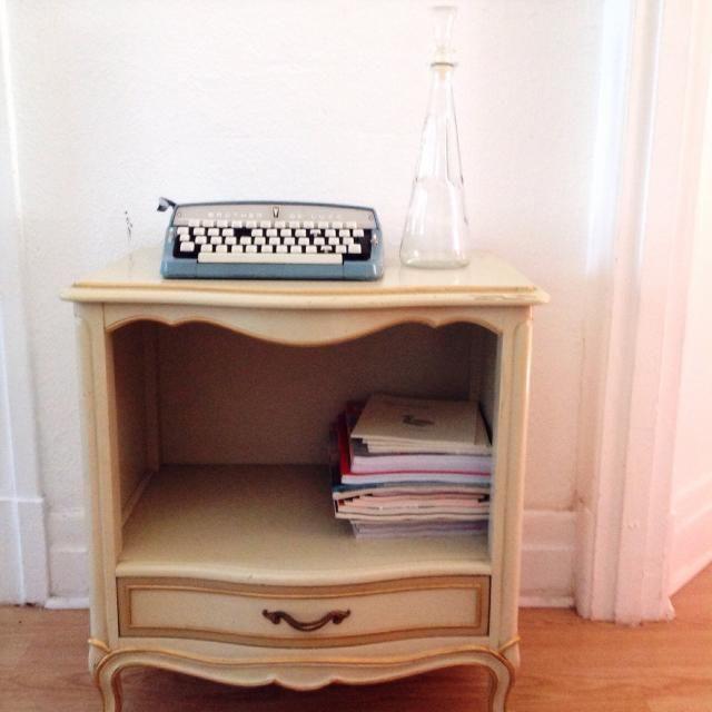 4 Fous Endroits Ou Trouver Des Meubles Usages Et Decorer Sans Vous Ruiner Tpl Home Decor Furniture Home