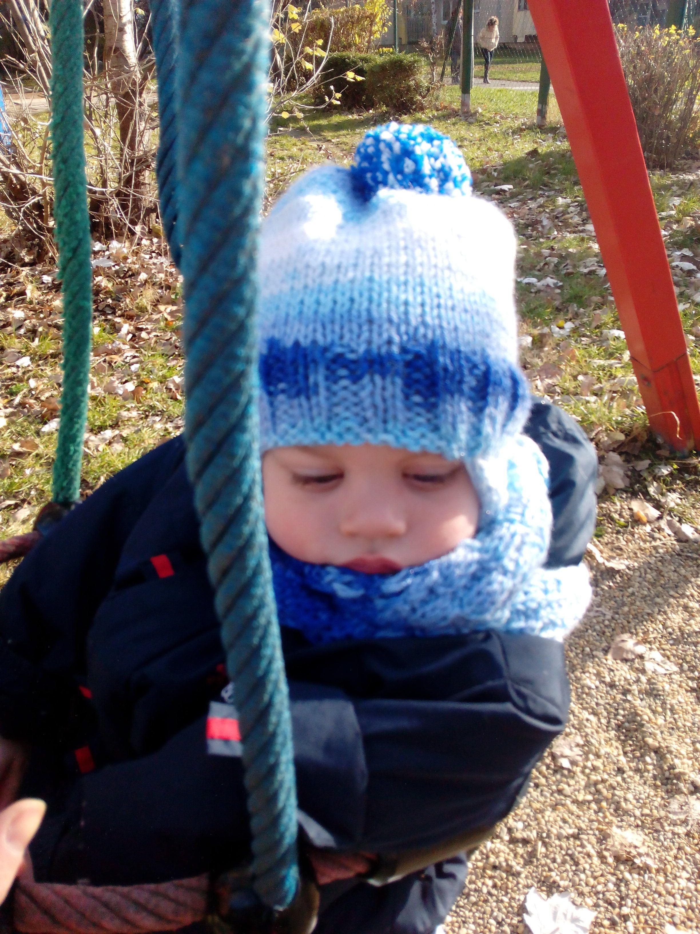 8e755d77d Fentről kötött füles gyerek sapka és sál – Kötni jó – kötés ...