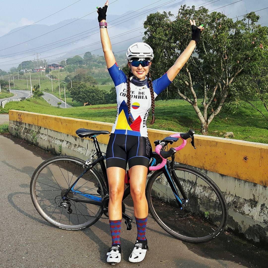 • Ciclista por Pasión❤Colombia! • Trencitas • Safetti Garmin GW Stelvio Smith • Snapchat: caro.ferrer caroferrerb8@gmail.com