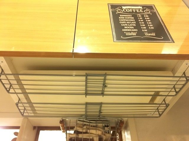 Photo of キッチンのデッドスペースに!100均材料で作る、まな板収納&鍋ぶた収納
