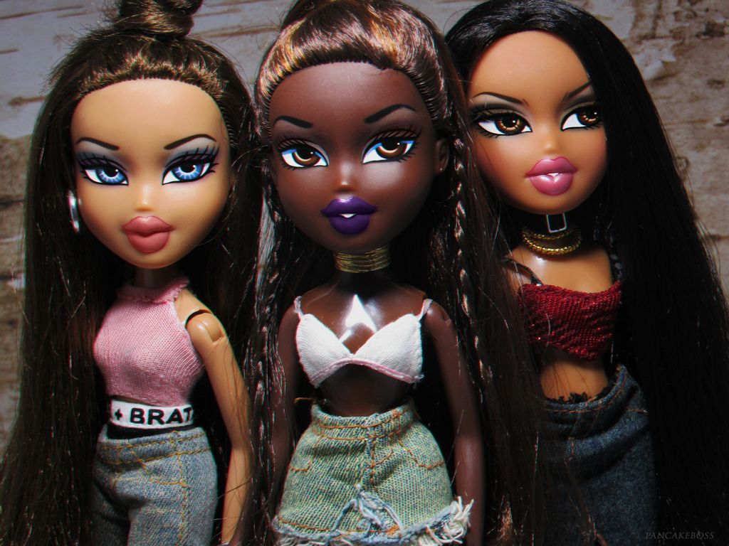 Bratz Dolls Aesthetic Sasha Cartoon Sasha Bratz Aesthetic Cartoon In 2020 Black Bratz Doll Bratz Doll Makeup Bratz Doll