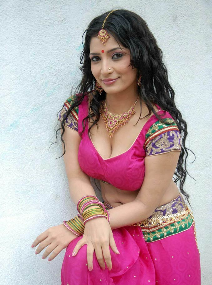 Actress Hot Cleavages Stills