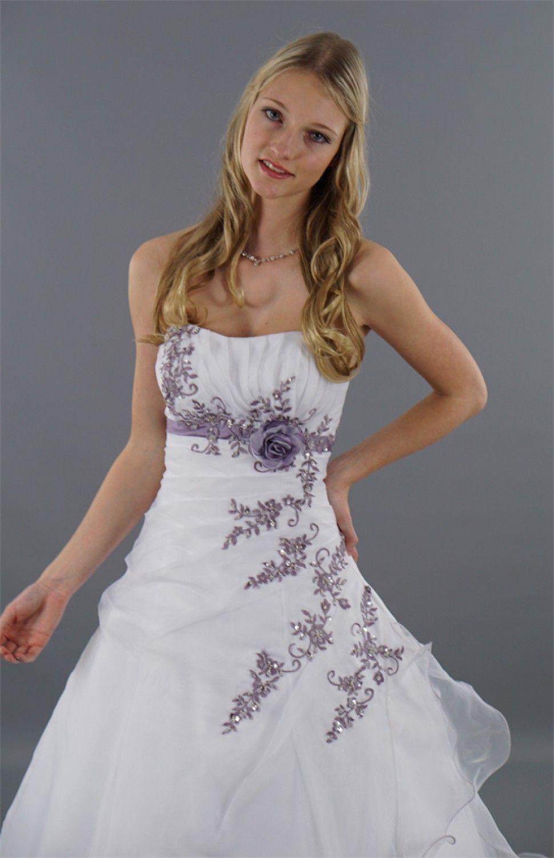 Alina - Brautkleid mit zauberhafter Blumen-Stickerei ☆ Materialmix ...
