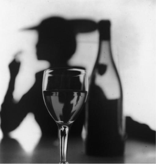 Irving Penn, Girl behind glass (Jean Patchett) New York, 1949