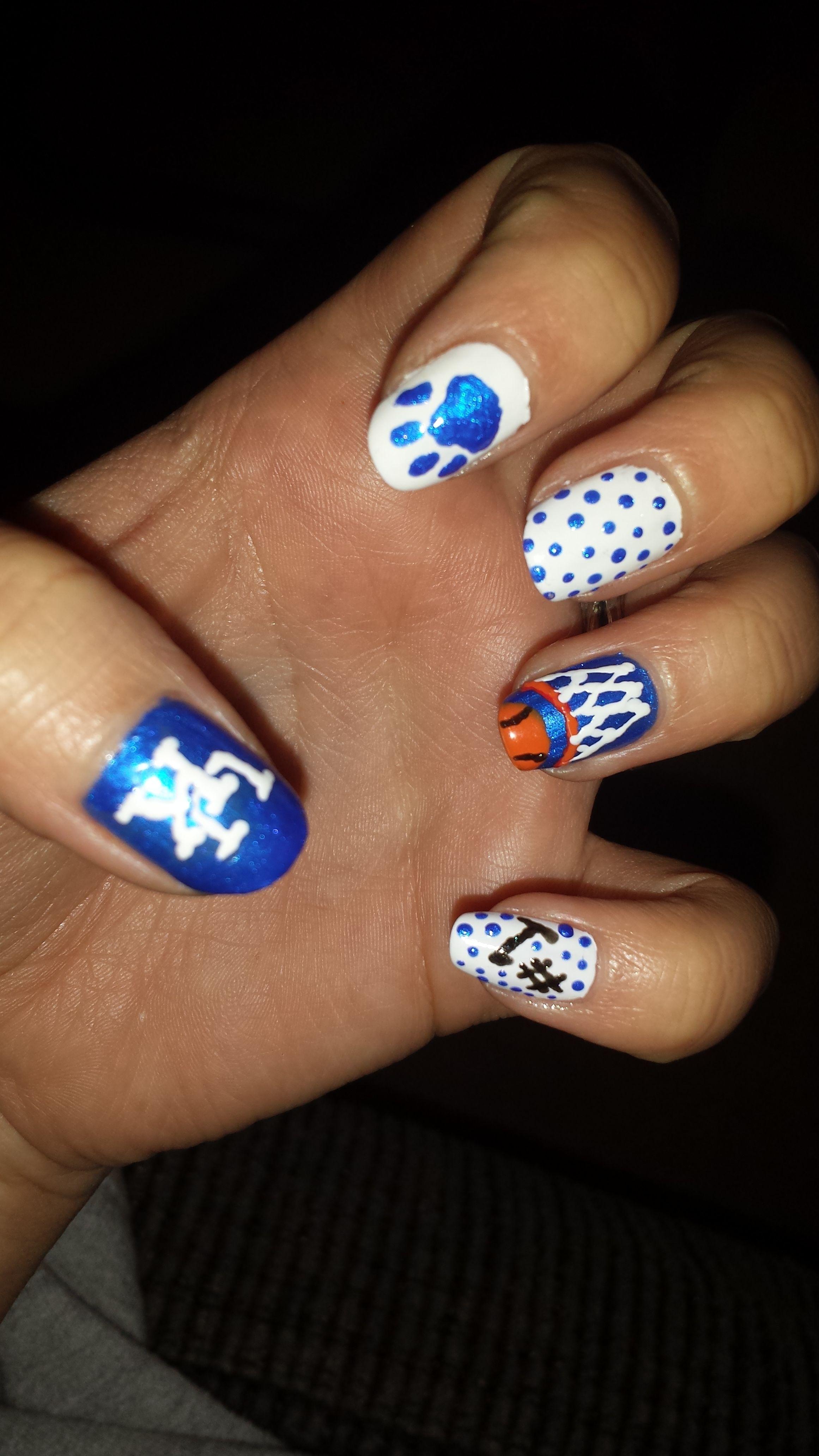 Uk Wildcat nail art :)