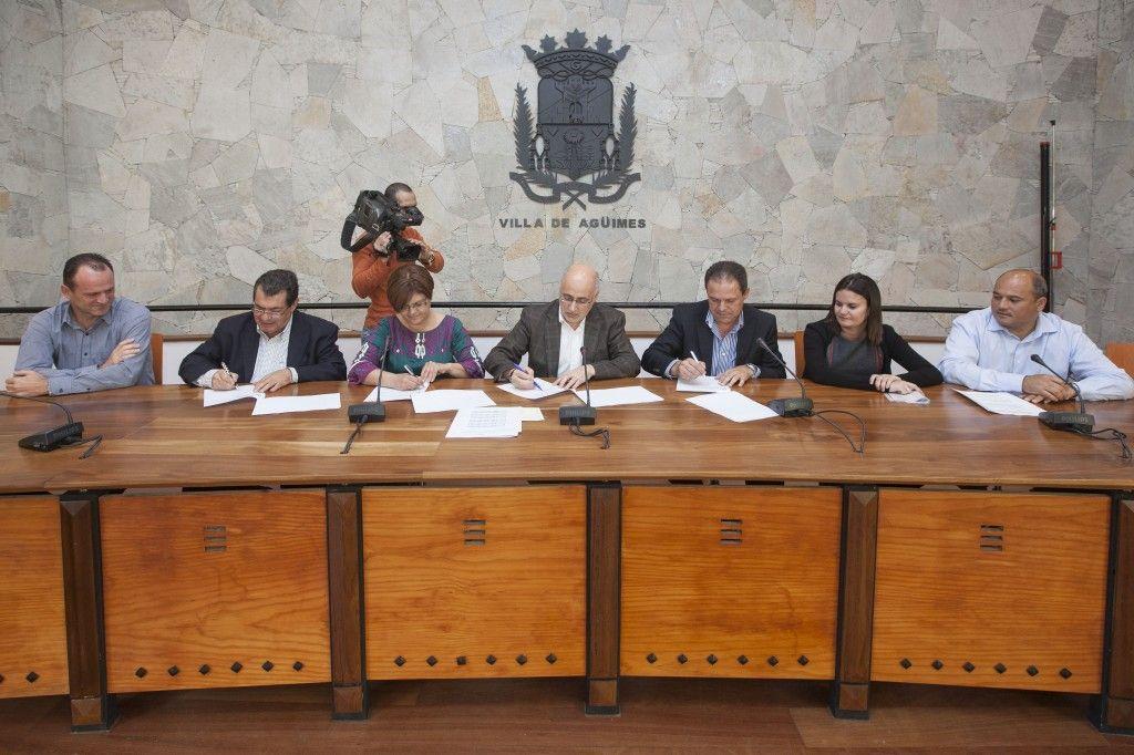 Convenio de colaboración entre el Ayuntamiento de Agüimes y las Asociaciones Empresariales - http://gd.is/QHNn88