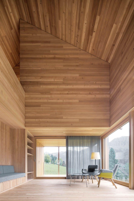 Großzügig Wohnen: Moderne Innenarchitektur Aus Holz Architekt: Bernardo  Bader I Foto: Guworld Gustav