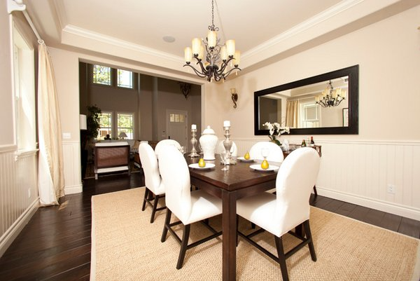 20 Lovely Dining Room With Stunning Mirrors Home Design Lover Mirror Dining Room Dining Room Mirror Decor Beige Dining Room
