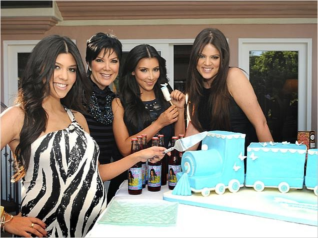 Kourtney Kardashian Baby Shower Decorations 92819 Loadtve