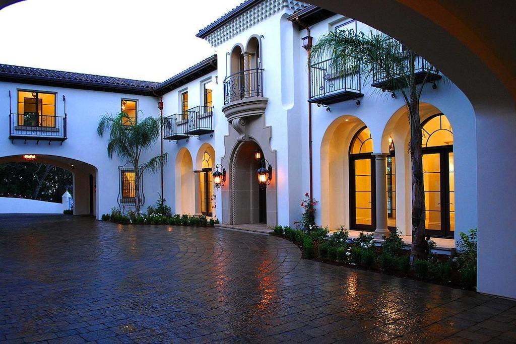 Peque a vivienda estilo tradicional exteriores r sticos e for Fotos de fachadas de casas andaluzas