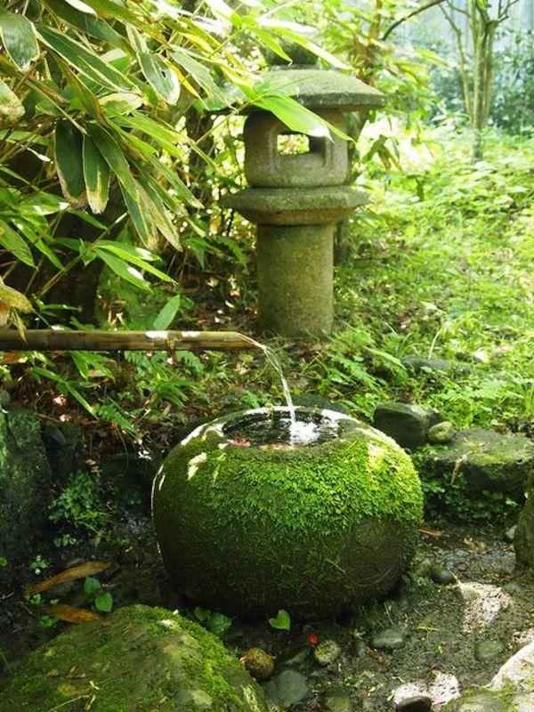 fontaine pour bassin, jardin enchanté