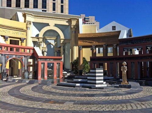 piazza ditalia in new orlean charles moore