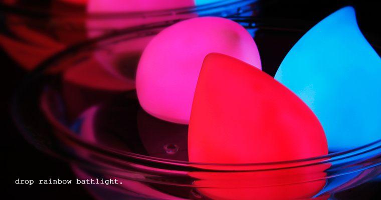 【楽天市場】ドロップレインボーバスライト【バスライト LED 照明 お風呂ライト 防滴ライト防水 ライト グラデーション イルミネーション 7色 ドロップ しずく 雫 かわいい お風呂家電 お風呂に浮かべるライト】:入浴剤とお風呂のソムリエSHOP