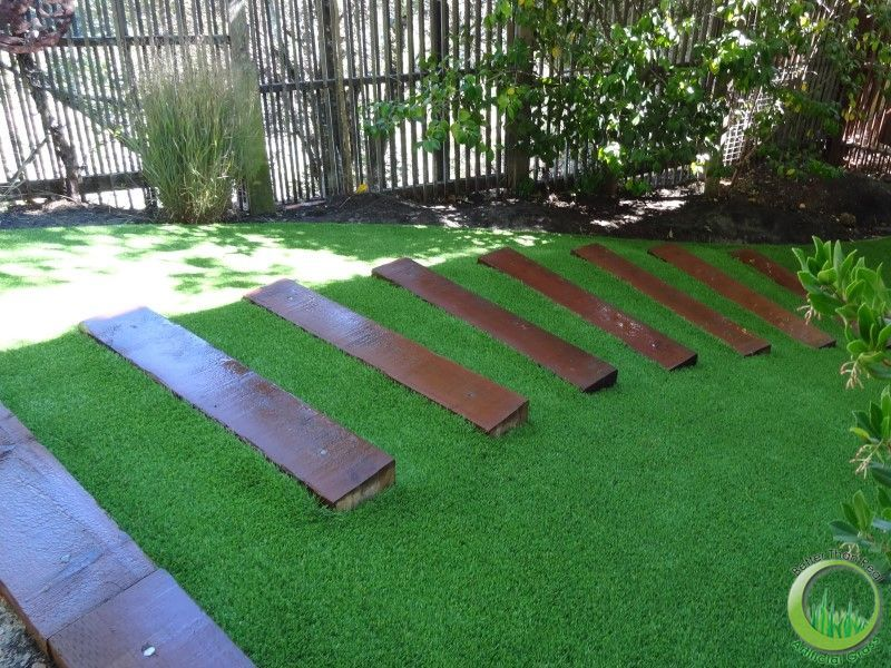 Artificial Grass Stairs Cesped Pasto Artificial Sintetico Instalado En Una Superficie Con