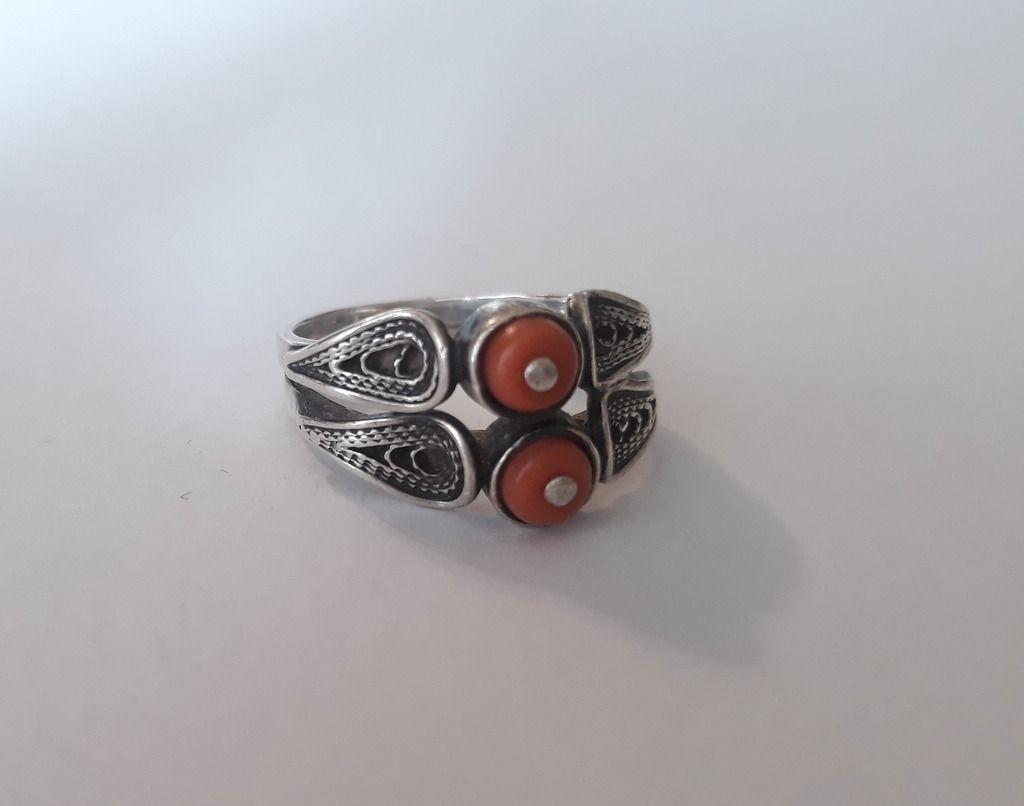 Licytacja Imago Artis Srebrny Pierscionek Z Koralem Lublin Allegro Lokalnie In 2021 Silver Rings Arty Rings For Men
