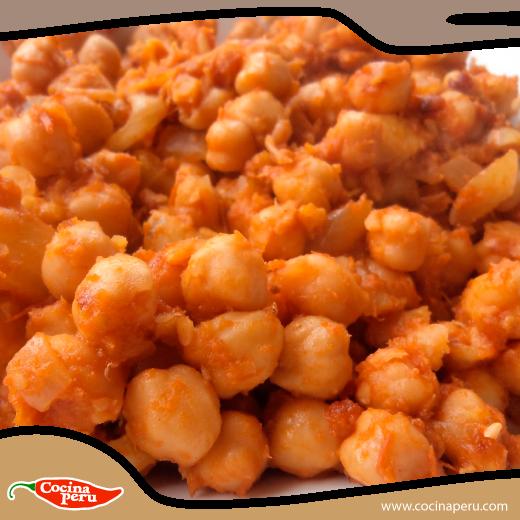 Un plato muy consumido en la Semana Santa son los Garbanzos con Bacalao, aquí te enseñaremos a prepararlo: http://www.cocinaperu.com/platos-de-fondo/garbanzos-con-bacalao