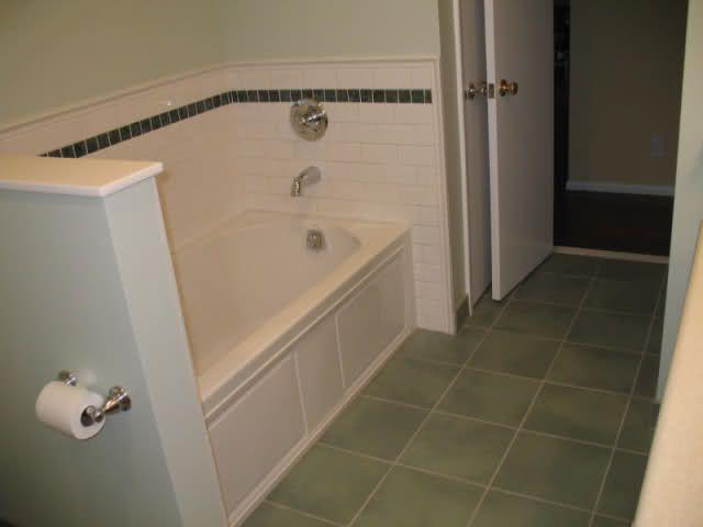 Shower Accent Tile For Vintage Inspired Bathroom