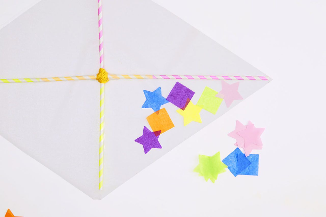 A Two-Step Homemade Kite That\'s Just Too Easy | Kites and Craft