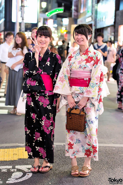 Японки в магазине одежда для мужчин на видео