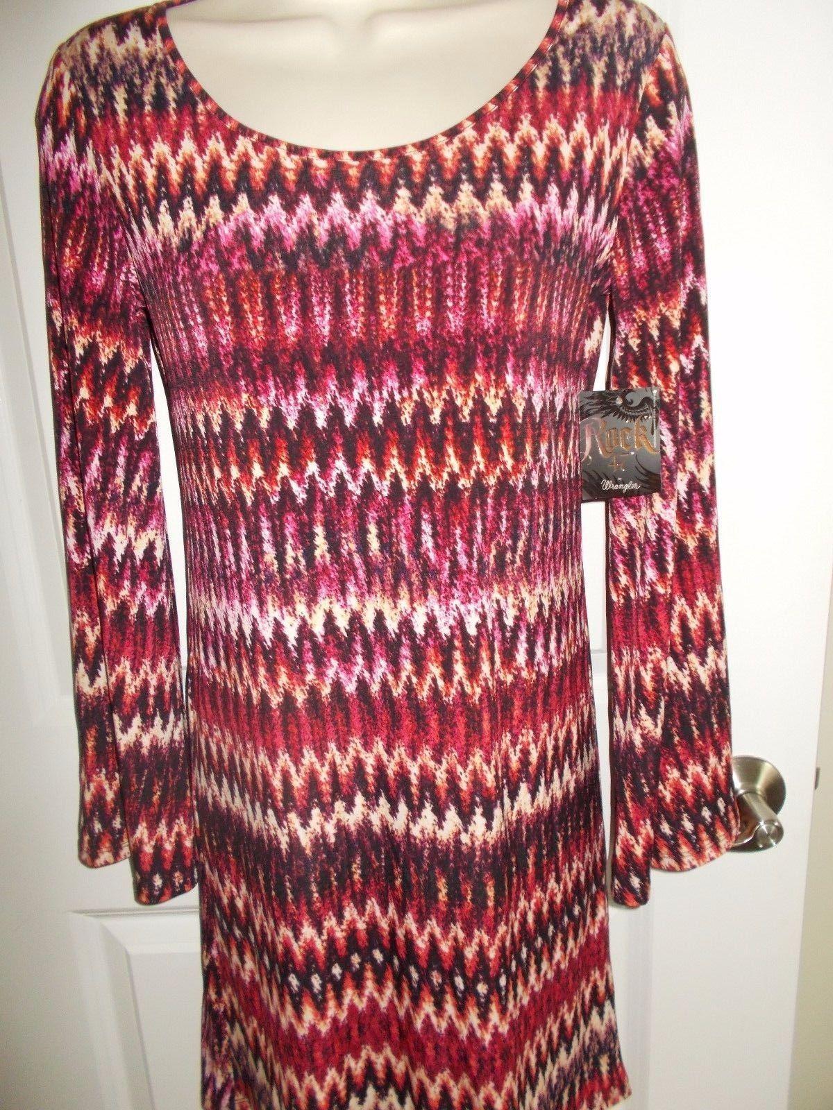 Wrangler rock womenus long bell sleeve scoop neck patterned