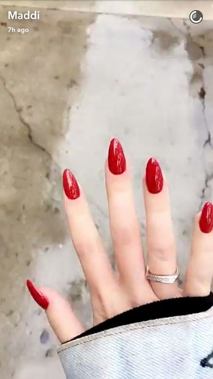 Maddi Bragg red oval nails | 1. Double Team + Dynamicpunch Amazing ...