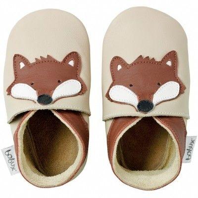 Les pieds des bébés seront respectés dans ces chaussons en cuir souple BOBUX  motif renard beige. La semelle souple garantie la liberté de mouvement et  la ... c2fd49394997