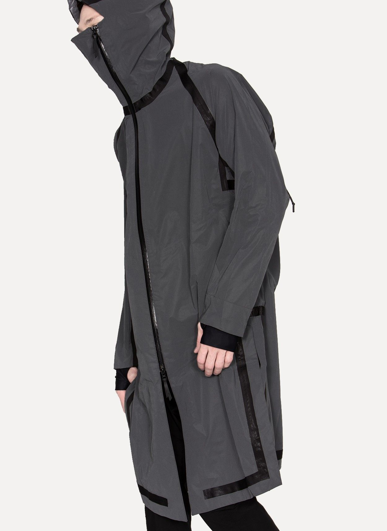11 by Boris Bidjan Saberi R2 1310 Reflective Trench Coat https://cruvoir.