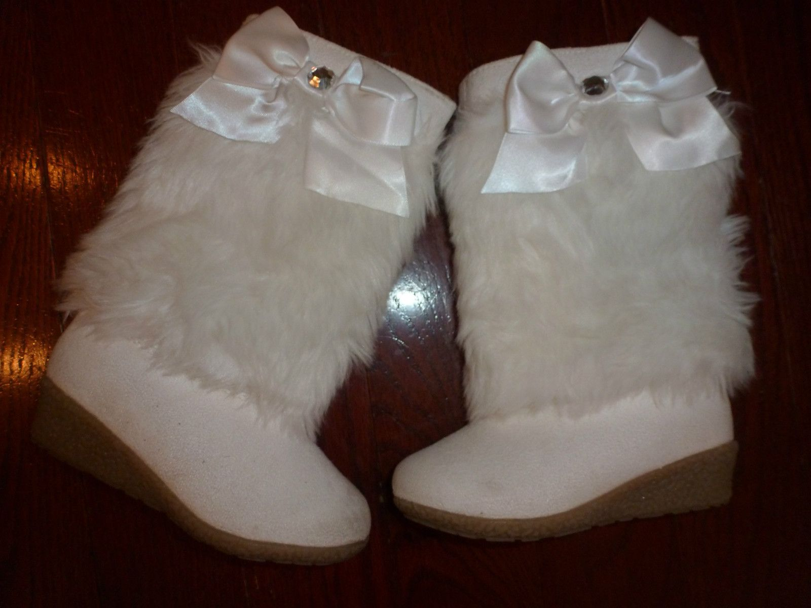 eBay | Bow boots, White fur, Gymboree