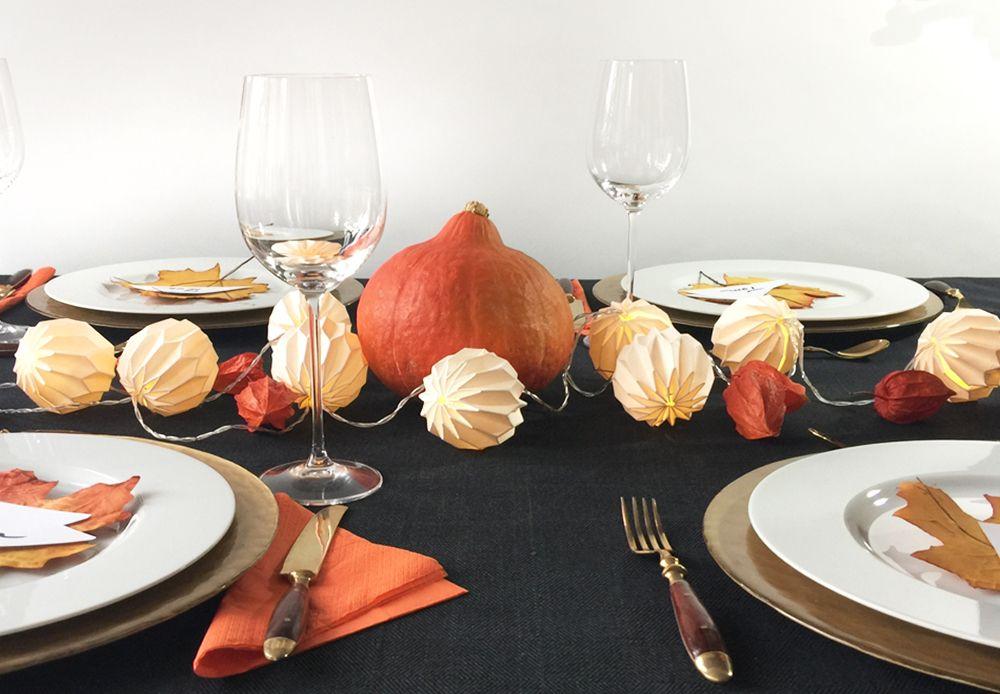 Herbstliche Tischdeko In Schwarz Gold Hier Mit Orange Farbigen