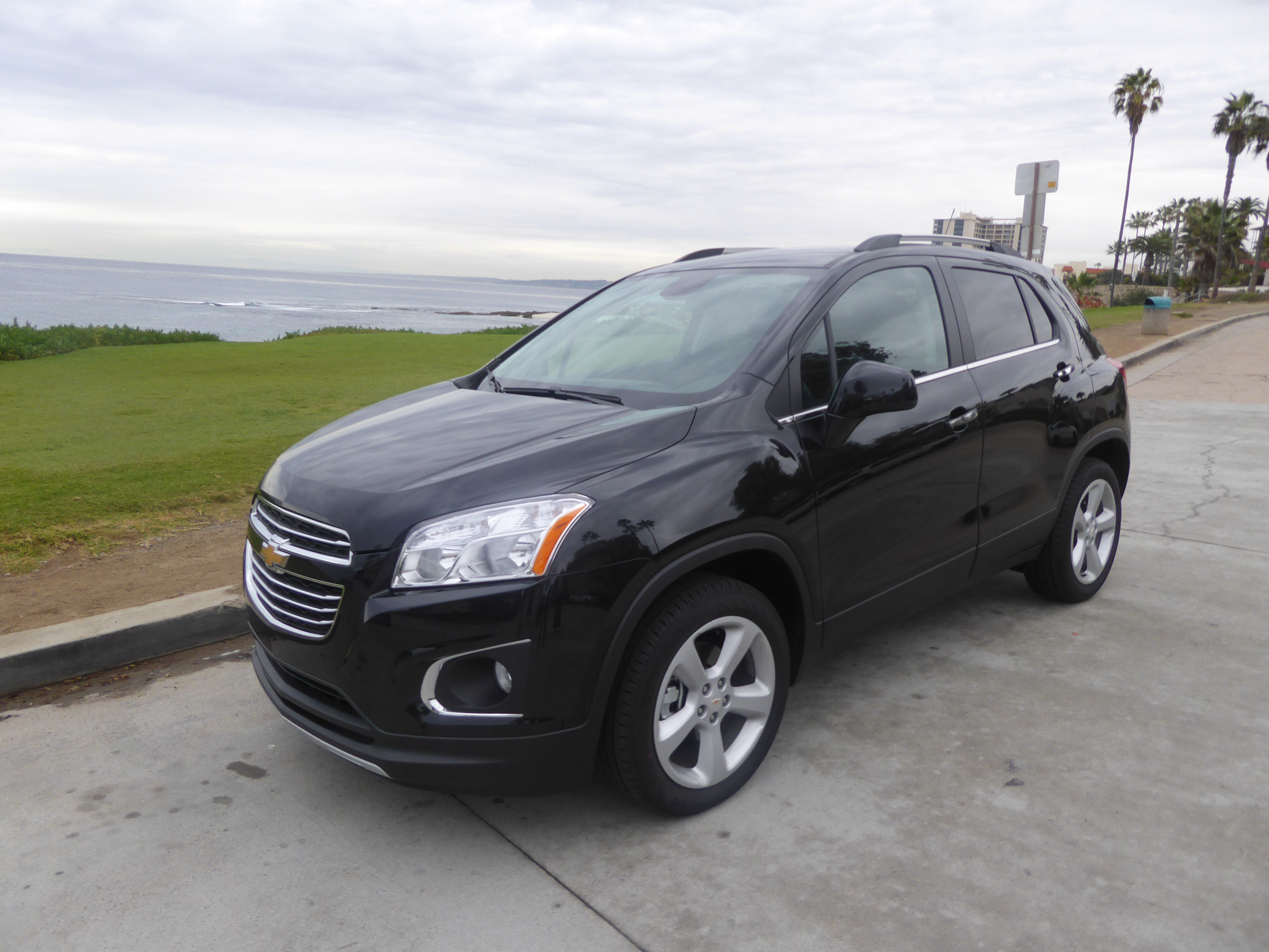 trend equinox angular suv reviews and chevrolet cars rating motor front