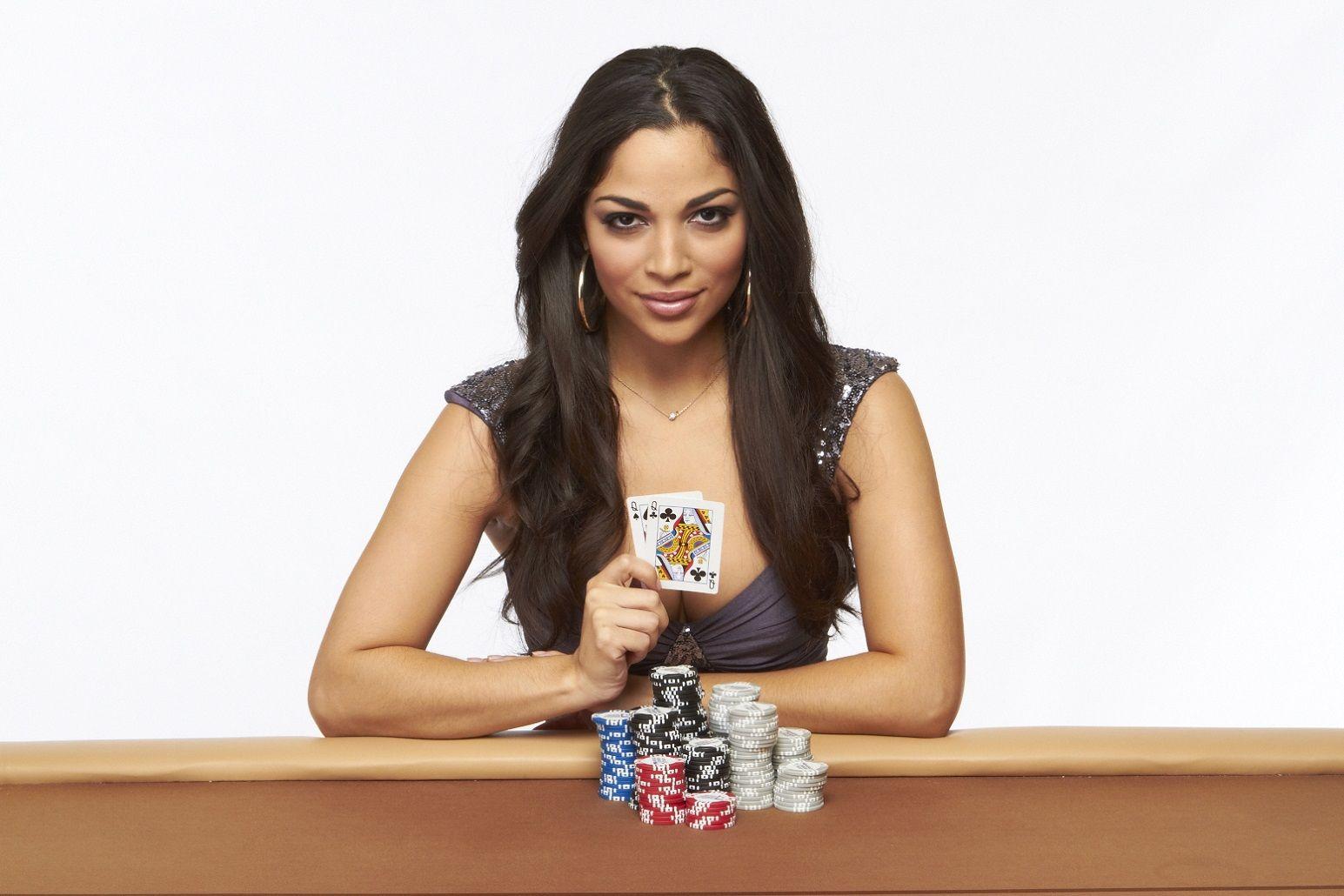 online casino poker royals online
