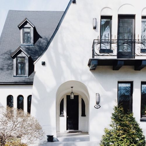 Perfect exterior colours not the house but the colour - White house exterior with black trim ...