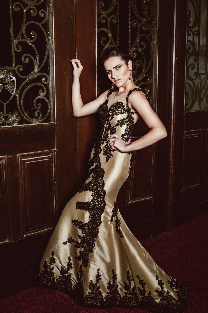 89af425ab Tecido Tafetá, Lindos Vestidos De Festas, Vestido Dourado, Rendas Pretas,  Tecidos Finos