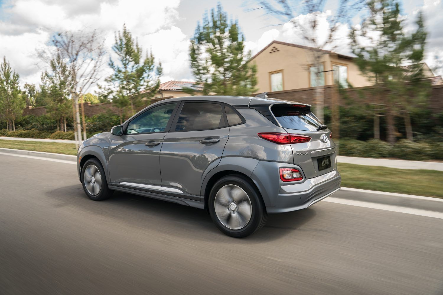 Hyundai Kona Us Price Is 36 450 Minus Incentives For 258 Mile Cuv
