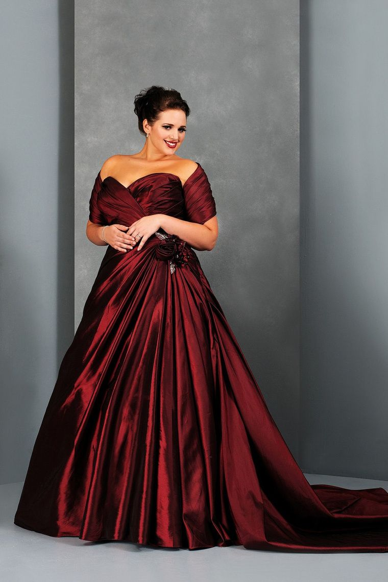 Plus Size Wedding Dresses A Line Sweetheart Court Train ...