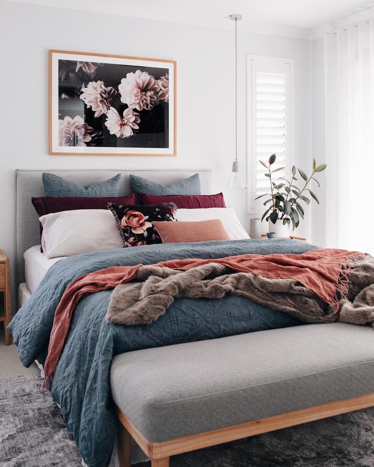 10 cozy bedroom ideas for the fall season home decor on modern cozy bedroom decorating ideas id=18684