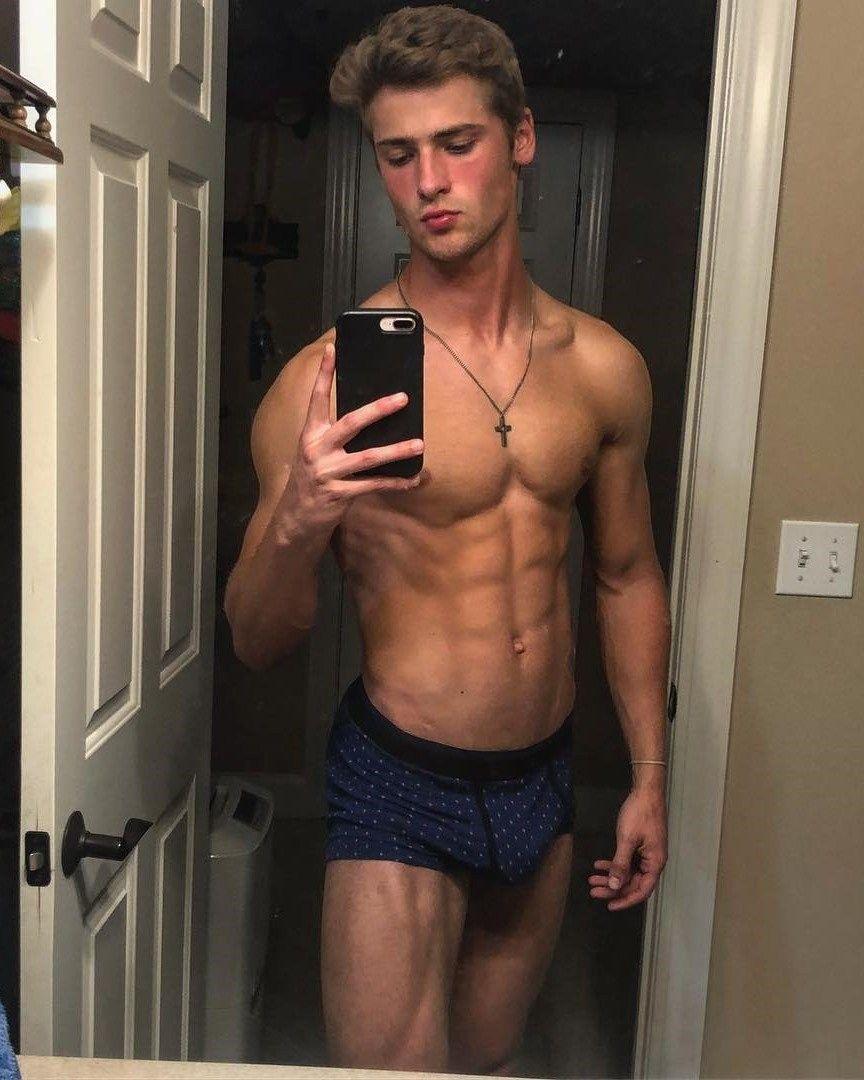 hot-black-guy-in-mirror