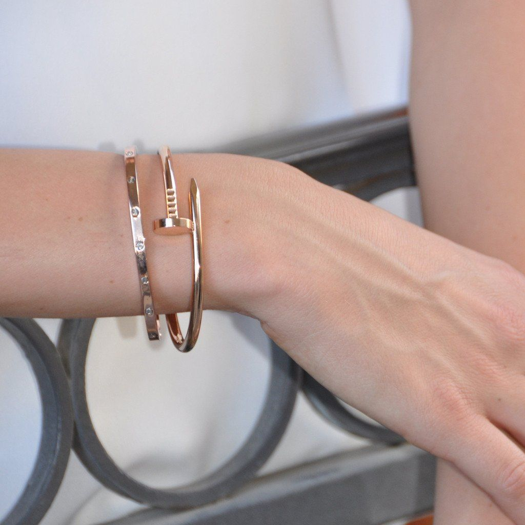 coach gold pin bracelet bangle and color head nail